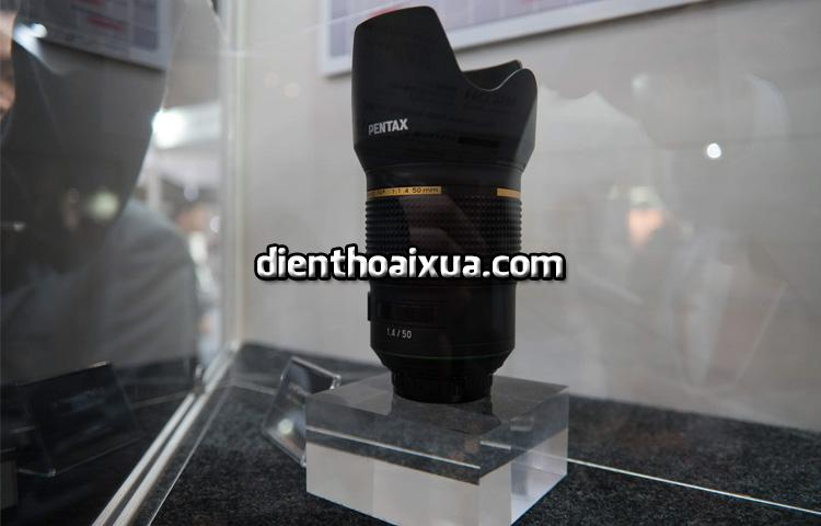 Ong kinh D FA 50mm F1 (1)